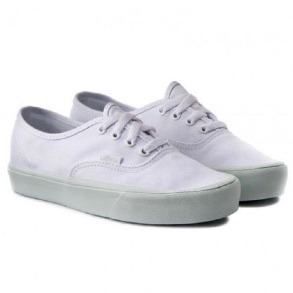 6a59f3f6e98dfb Vans Authentic Lite Pop Pastel Skateboarding Shoe.  M 5bbad43d9fe48695422cd0f6